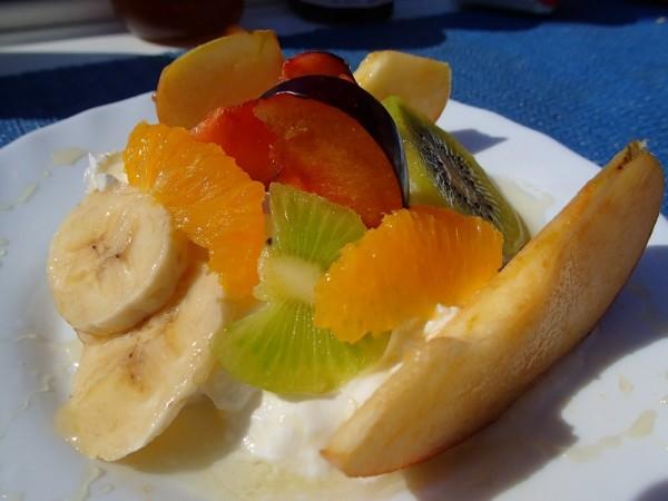 Griechischer Joghurt mit Früchten