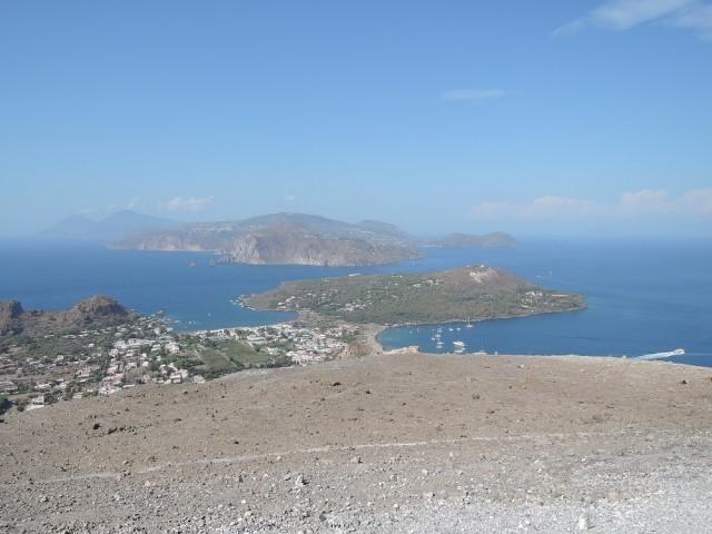 Blick von Vulcano auf die Liparische Inselwelt
