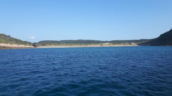 Die Vorsaison ist super – wir haben die Bucht auf Menorca für uns
