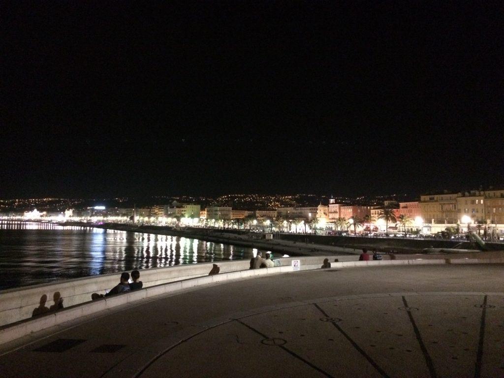Nizza by night
