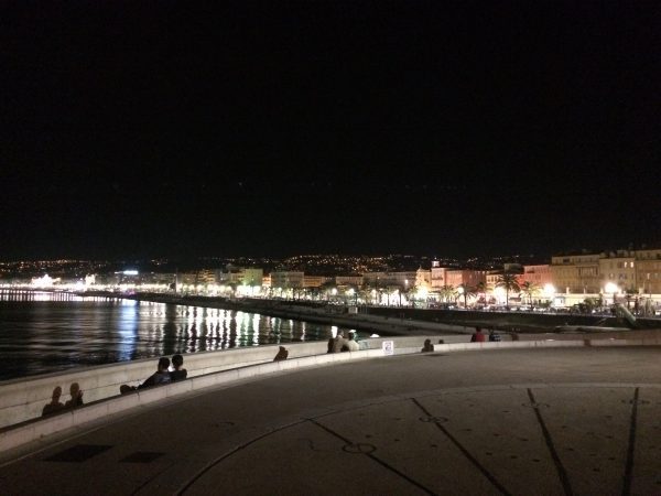Nizza by night