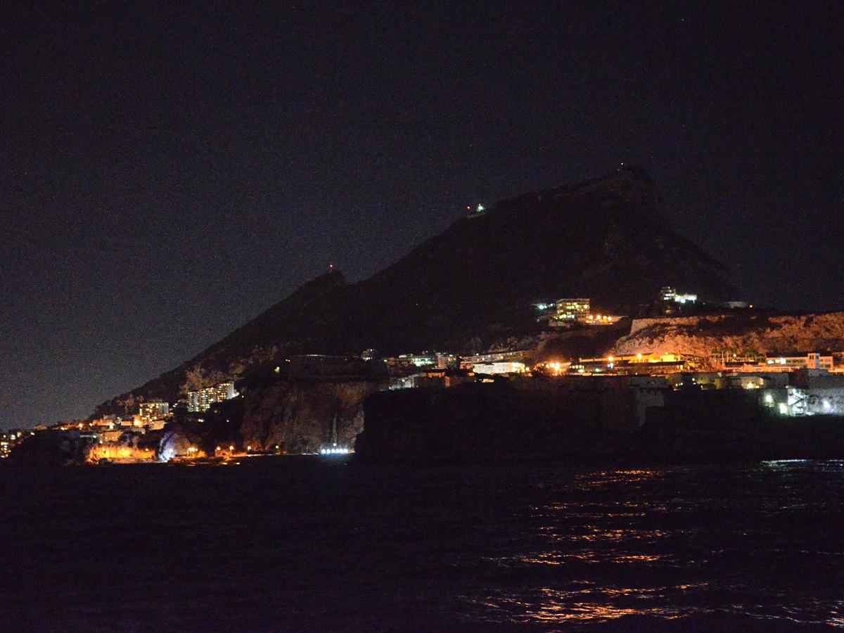 Nachtansteuerung von Gibraltar - spannend