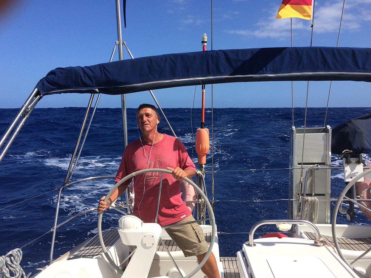 Jörg stimmt sich mit Reggae auf die Karibik ein
