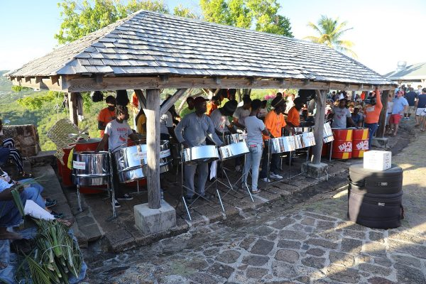 Steelband auf Shirley Hights