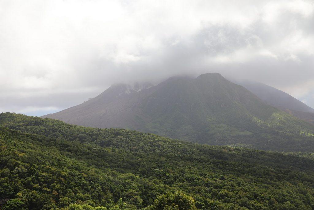 Soufriere Hills. Wunderschön und dennoch eine Bestie, der immer noch aktive Vulkan auf Montserrat