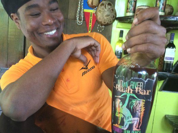 Die Jungle Bar am Indian River mit dem selbstkreierten Dynamite Rum Punch