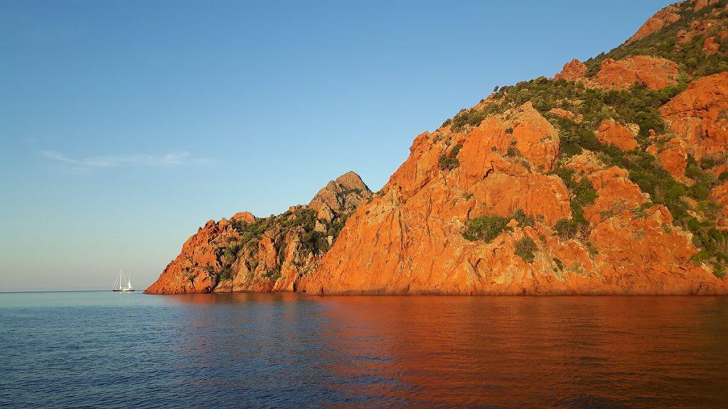 Die Küste von Korsika ist unbeschreiblich schön