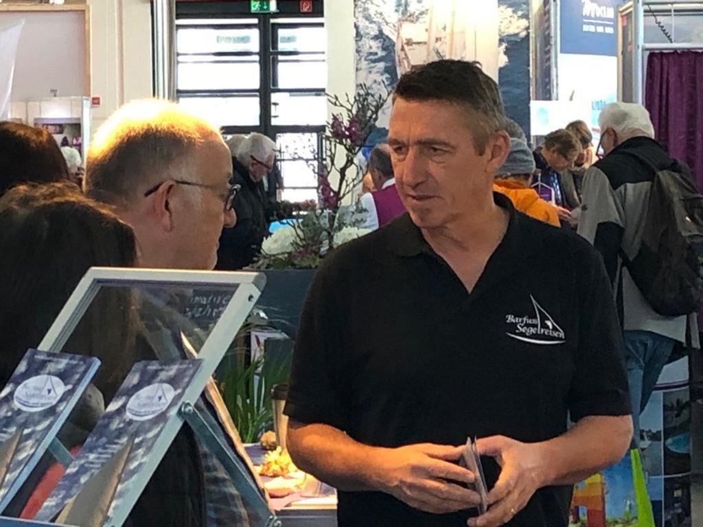 Jörg auf der Messe 2020 im Kundengespräch