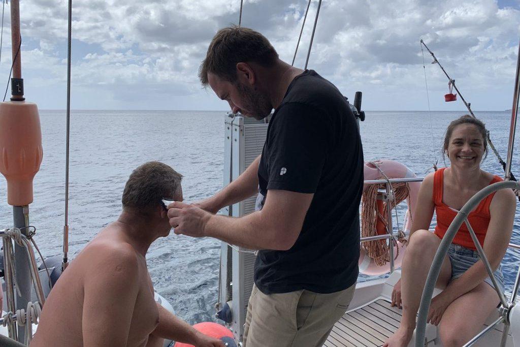 Segeln in der Karibik, Friseurbesuch
