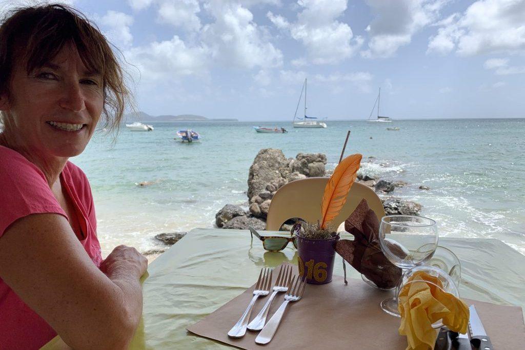 Karin in Strandbar Martinique